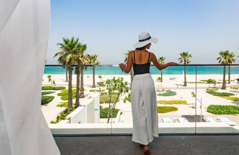 Hotel Nikki Beach Resort & Spa Dubai - Pokoj Luux