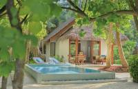 Beach Deluxe Villa with Pool